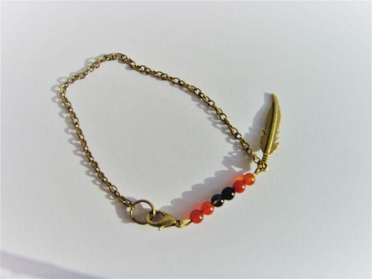 Bracelet breloque plume chaines et perles . : Bracelet par crea-mania