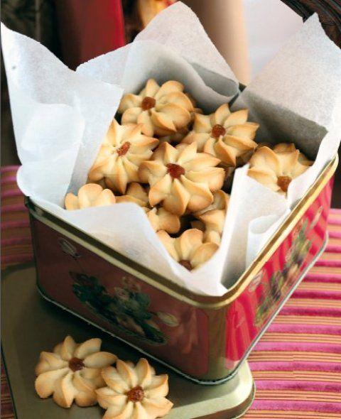 Домашнее печенье курабье, по мнению гурманов, намного вкуснее магазинного.