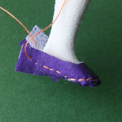 How to Make Simple Removable Shoes and Slippers for Dolls House Dolls