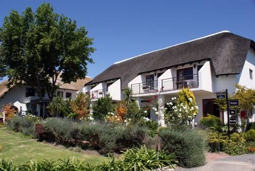 Wedgeview Country House & Spa Stellenbosch Situated near Stellenbosch, Wedgeview Country House & Spa offers luxurious rooms with free Wi-Fi. This countryside retreat also has 2 outdoor pools, spa facilities, and an open-air terrace.
