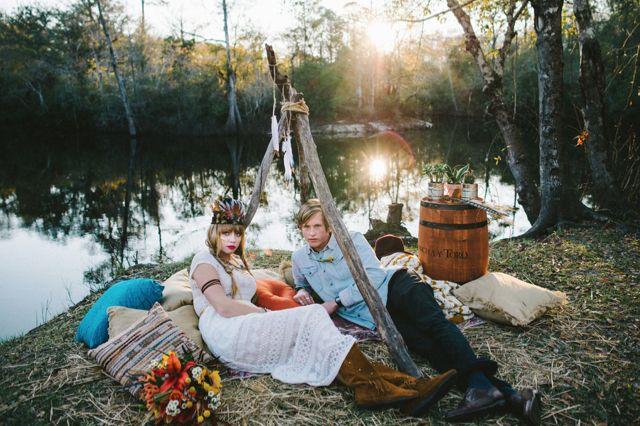Bohemian DIY wedding | Hello Miss Lovely Photography | http://burnettsboards.com/2014/01/free-spirited-bohemian-diy-wedding/