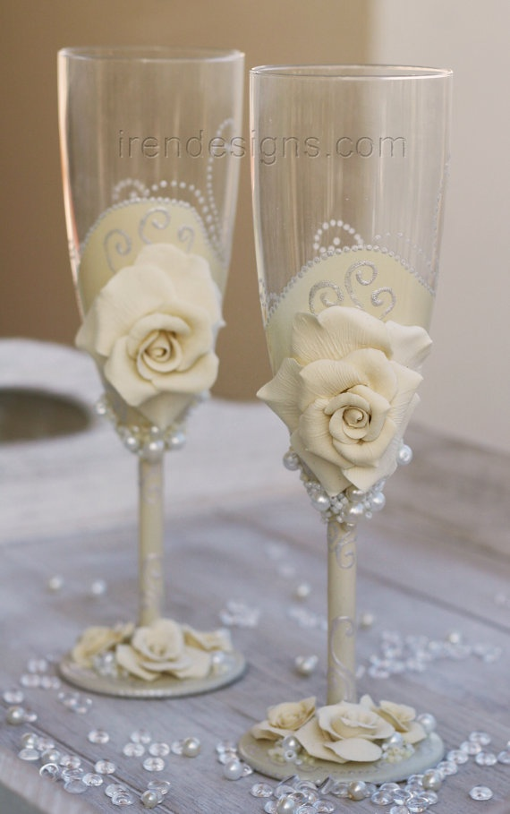 $50 Two Hand Decorated Wedding Champagne Glasses by IrenDesigns, €40.00