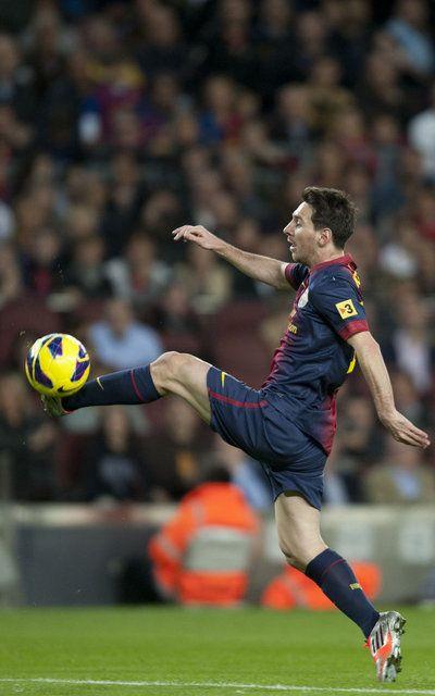 Messi, magistral con el balón en los pies, en el partido del Barça-Celta de Vigo de la temporada 2012-2013