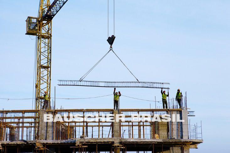 Gruas construção civil