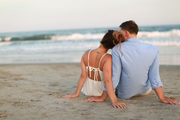 Romantic Beach Engagement – Style Me Pretty