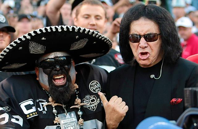 Gene Simmons, Oakland Raider fan