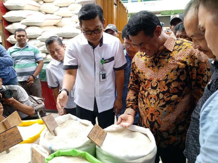 Jakarta, NusantaraPos- Menteri Pertanian Amran Sulaiman hari ini, Senin (4/12/2017) melakukan sidak ke Pasar Induk