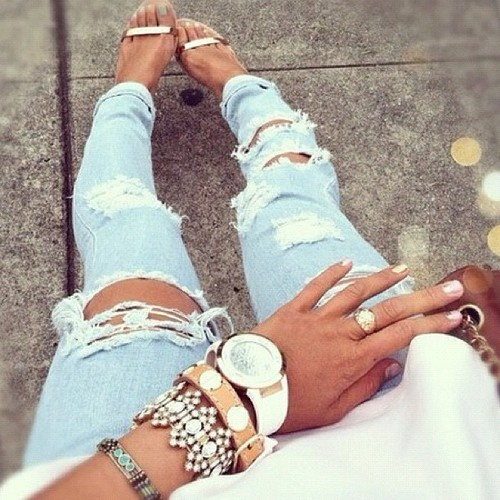 Ripped jeans. I love It!!!!