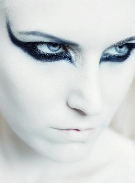 Fallen Angel Eye Makeup Fallen angel evil look halloween makeup ...