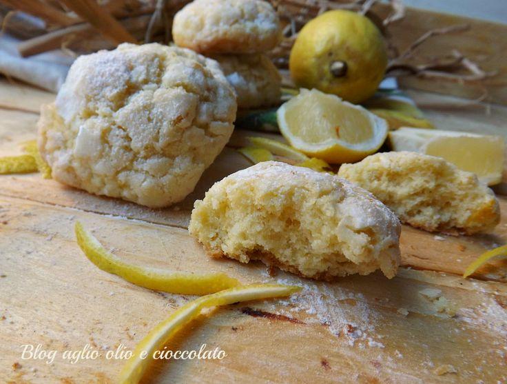 I Biscotti al limone con le bucce sono veramente deliziosi!! Le bucce,sono l'ingrediente fondamentale Sono profumatissimi e morbidissimi