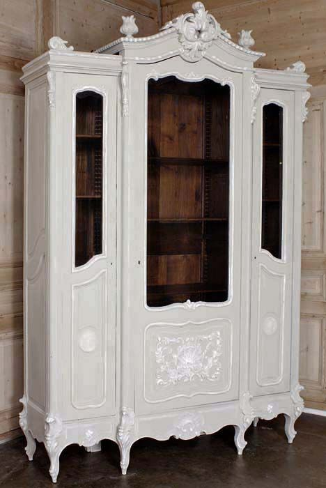 lovely! But I would paper the interior with vintage sheet music...