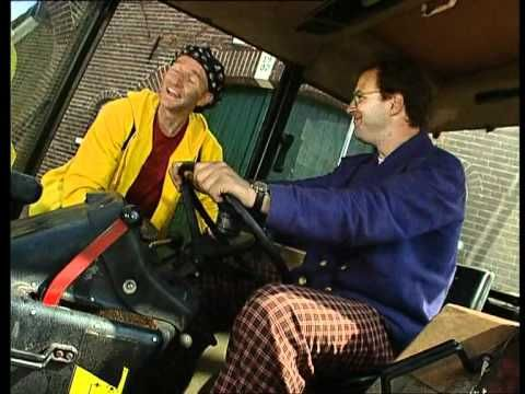Ernst Bobbie en de rest- Op de boederij - De kapotte tractor (NL)