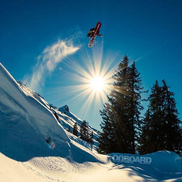 DM me if you wanna play Xbox one! . . . . #snowboarding#snowboard #ski #skiing #snow #gaming #pnw #moto #quad #atv #motocross