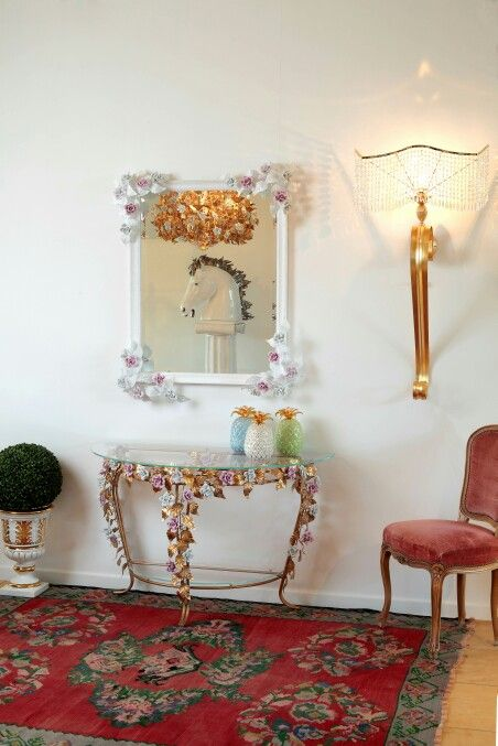 Rose detailes and wall applique