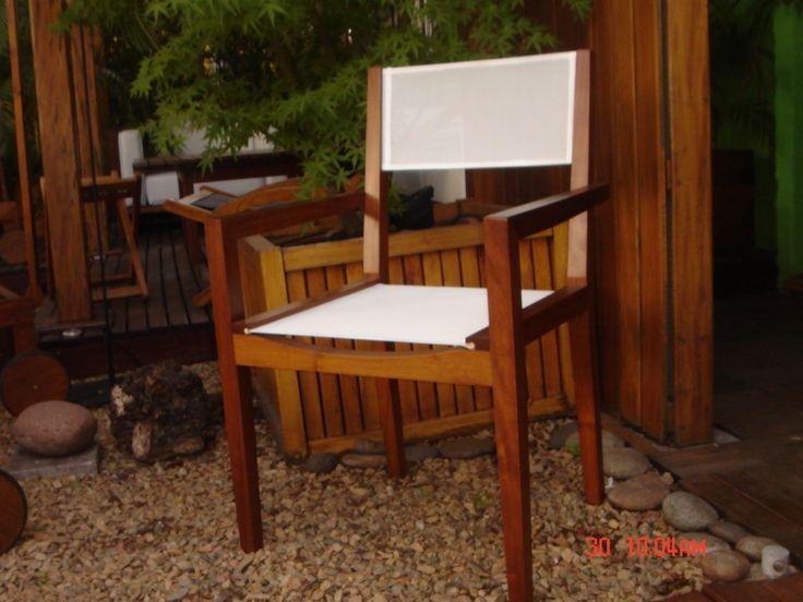 Silloncito Capri con tela microperforada vinílica, cómodo y liviano.