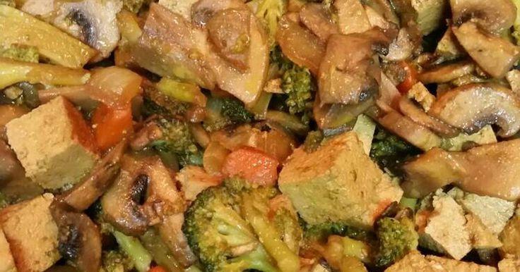 Fabulosa receta para Tofu al curry con verduritas. Es una receta rica, rápida y sencilla!