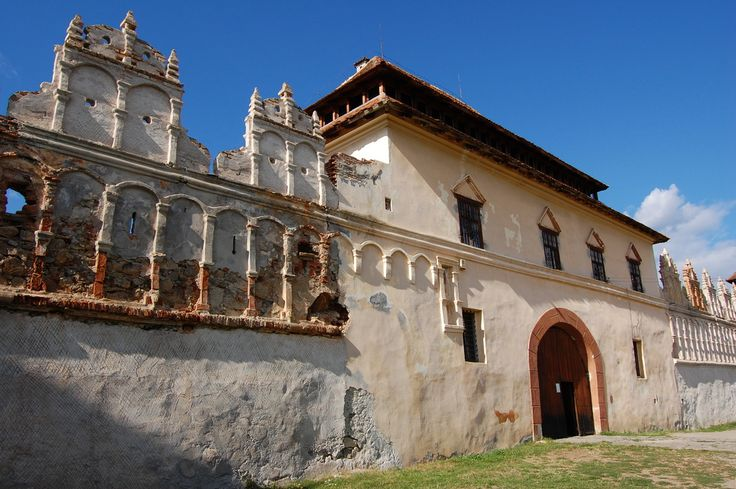 Kolozsváros - Erdély legszebb középkori várai - .Lázár kastély, Gyergyószárhegy,