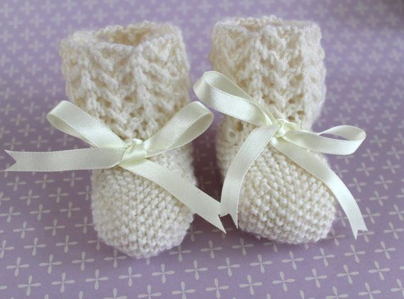 Ivory Baby Booties Ivory Crib Shoes Traditional by Pinknitting