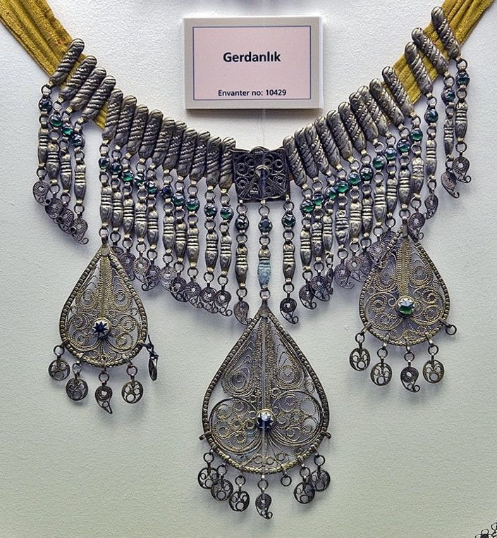 'Gerdanlık' (choker necklace, to be worn close to the neck).  Silver. Late-Ottoman, circa end of 19th century.  On exhibit in the Edirne Museum.  (© Dick Osseman).