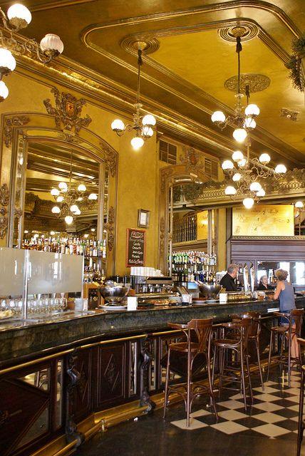 Café Iruña, Pamplona.