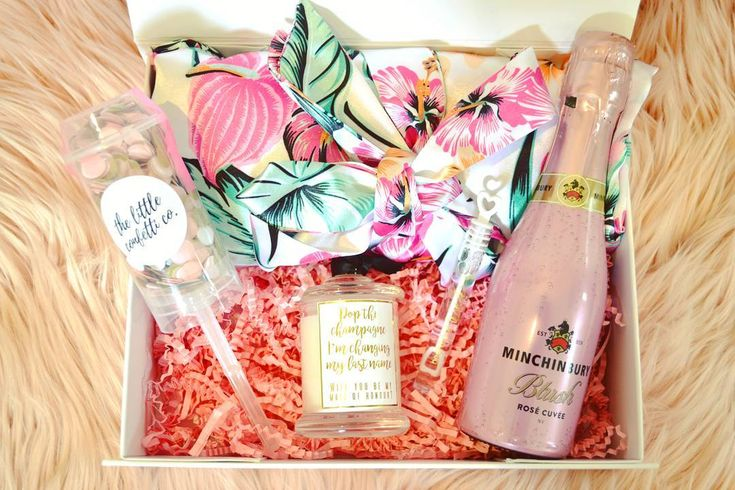 ➳ Gorgeous Personalised Gift Hampers your Bride Squad will love!  {Interview}