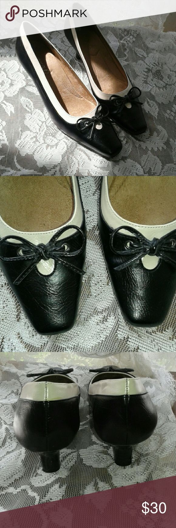 """Aerosoles black and cream bow heels """"Dimpressive"""" heels by aerosoles. Black and cream. 2 inch heel. Square toe topped with a pretty bow. Like new!!! Size stickers are still on. AEROSOLES Shoes Heels"""