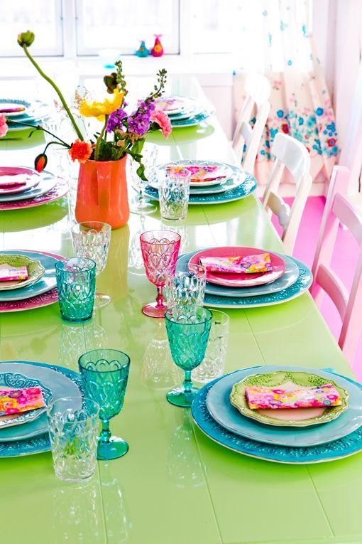 Decorar mesas con vajillas de colores | Decoratrix | Decoración, diseño e…