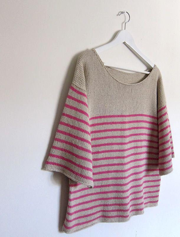 Løs bluse. Rummelig bluse med god bevægelsesvidde i 11 størrelser! Her strikket i nomuld og hør, men ren bomuld eller bomuld/silke ville også være fint. Pinde 4½.