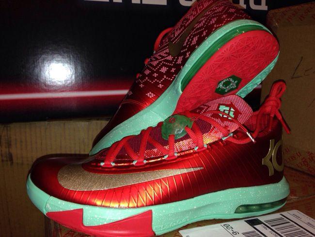 "First Look: Nike KD VI ""Christmas"" | Basketball Shoes ..."