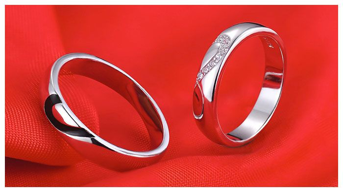 Black + White Couple Heart Wedding Rings