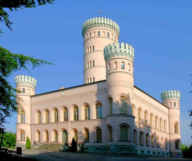 castle Güstrow, castle garden of castle Güstrow with baroque heart ...
