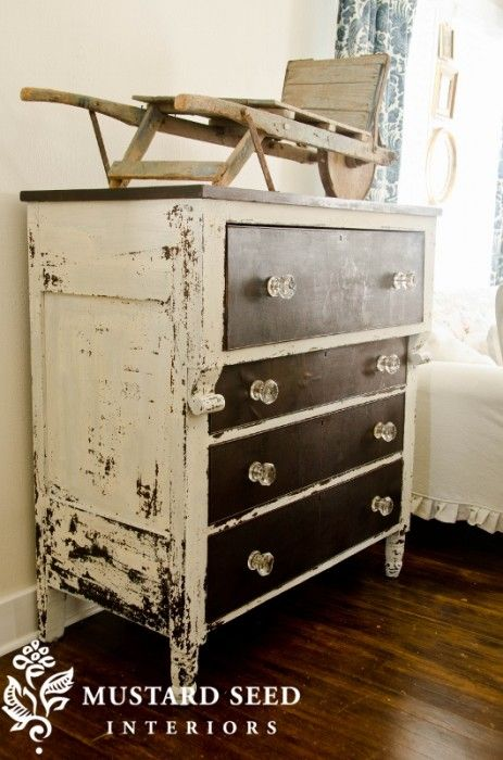 Perfect Chippiness done with Ironstone Milk Paint from Miss Mustard Seed = ♥