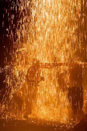 【日本の火祭り】炎の乱舞! -岐阜の手力の火祭り
