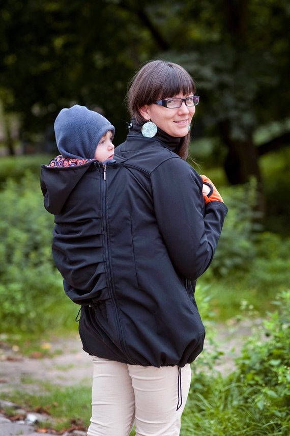 Babywearing coat is made from softshell and it is ideal not only for autumn walks, but also on winter days. The use of high quality material provides
