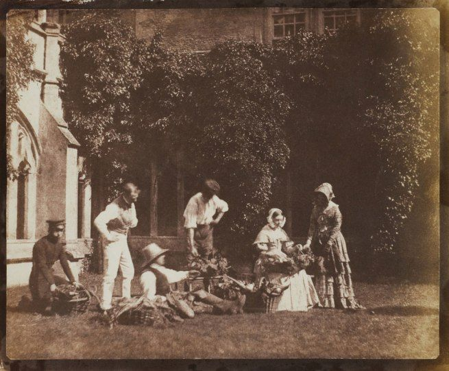 The Fruit Sellers, c. 1843. Calvert Jones (Welsh, 1804-77) Photograph, salted paper print from a paper negative