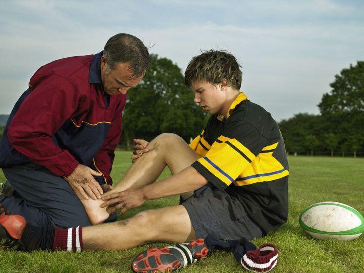 """6 Steps to Rehab a Sprained Ankle: """"R.I.C.E."""" Treatment"""
