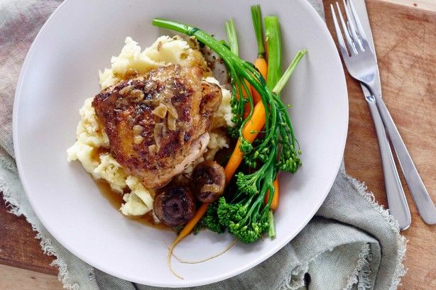 Slow cooker lemon chicken - For a hearty family meal, try this zesty lemon chicken. Made in the slow cooker, it is easy to prepare well in advance.