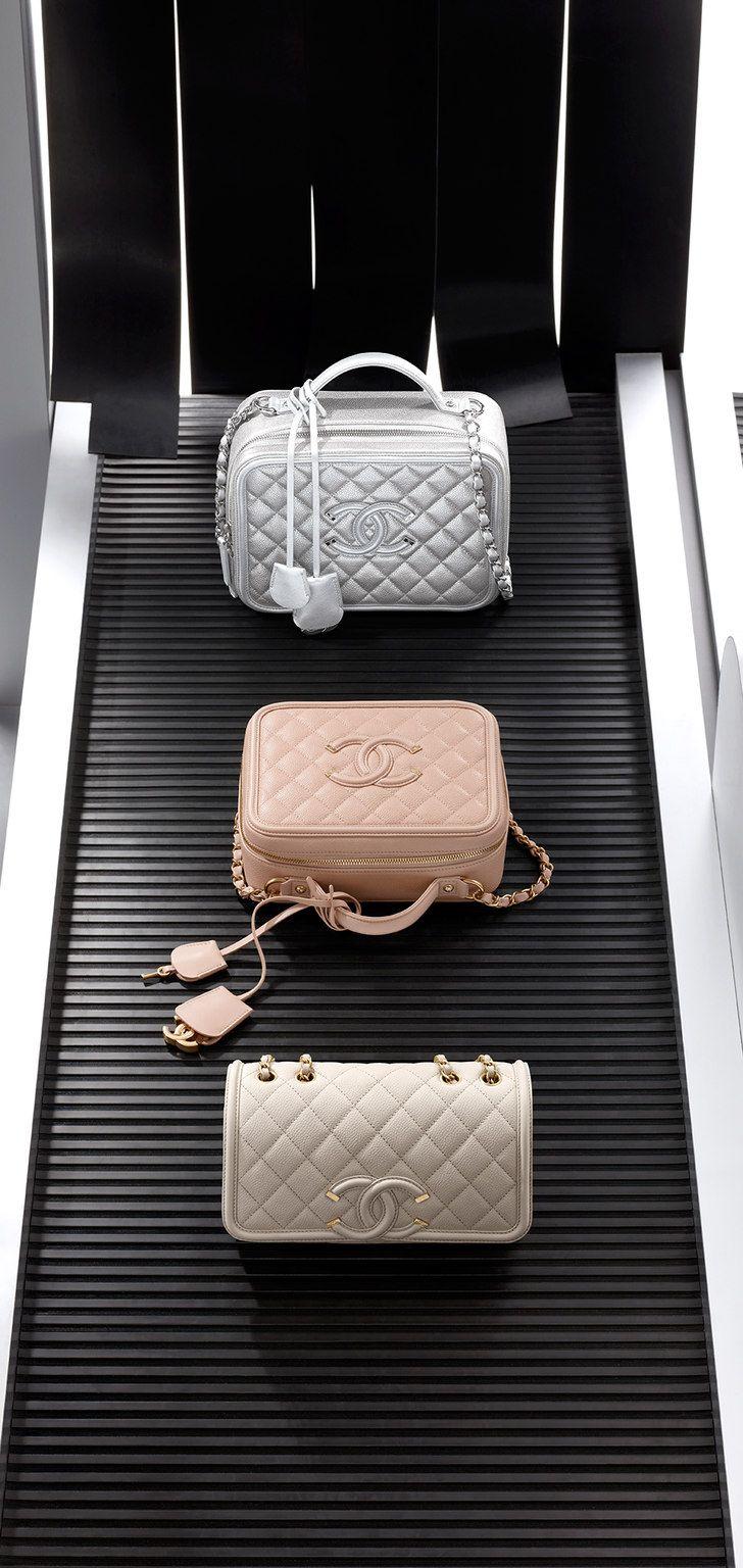 Chanel handbag superb vintage chanel bag vintage leather - Chanel Handbags Vanity Case Grained Calfskin Calfskin Light Gold Metal Beige On The Chanel Fashion Website
