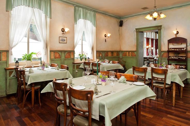 www.dobryhotel.com; www.sedan.pl; www.hotelunicus.pl; www.hotelgrandcru.pl; www.hotelbonum.pl; www.hotelarkonpar...; www.villaaqua.pl;  www.rozanygaj.pl