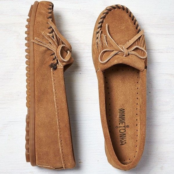 Minnetonka Kilty Suede Moccasin ($43) ❤ liked on Polyvore featuring shoes, loafers, flats, brown, brown moccasins, minnetonka moccasins, tie shoes, minnetonka flats and suede flats