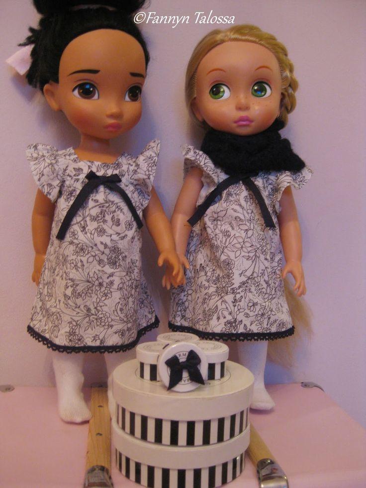 Disney -prinsessat saivat mustavalkoiset asut. Mekot olen ommellut kirpparilta löytämästäni naisten paidasta jo jonkin aikaa sitten, mutta ...