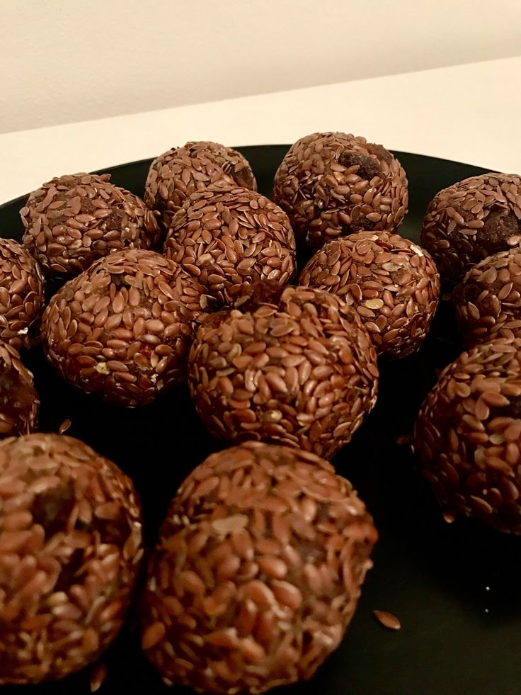 Powerballs! :) grounded seeds of Marian thistle (ostropestřec)+ grounded dates + flax seeds + row cocoa powder + water + protein powder + reisins powersnack highprotein highfiber