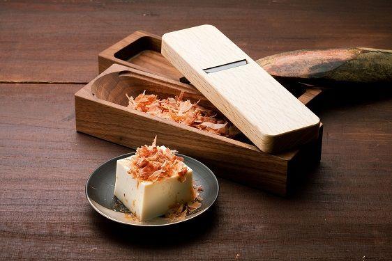 """Dried bonito shaver, """"Akakou"""" - Aogami steel x walnut, Aogami steel x beech (Dried bonito shaver) / Yamatani Works. Ltd"""