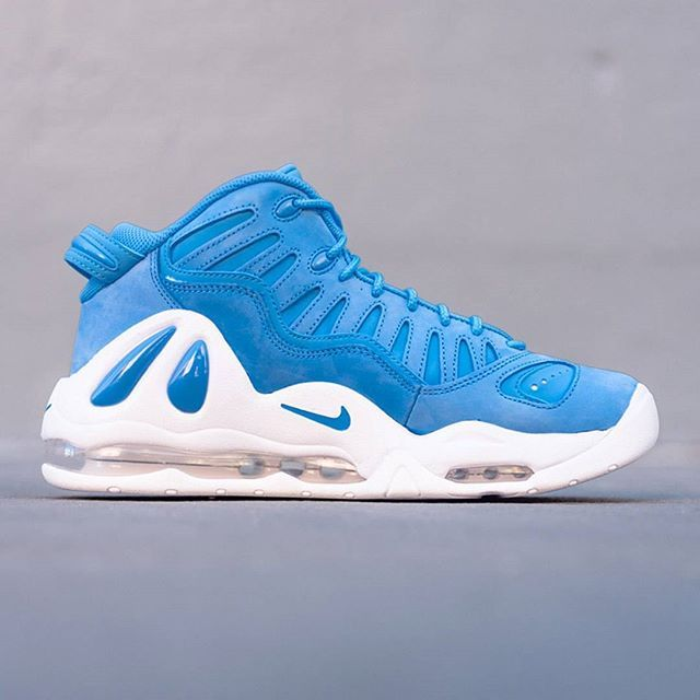 Nothin' but blue skies with the Nike Air Max Uptempo 97. Pic via @
