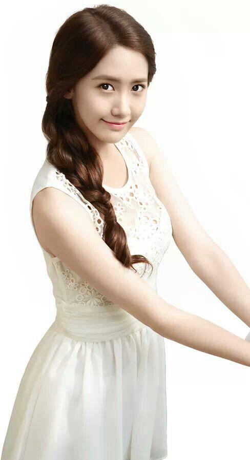 Yoona snsd she looks so innocent & lovely  In white ♥ ( yoona for freshlook cf )