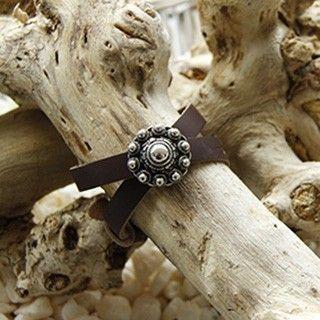 Lederen armband met zeeuwse knoop.