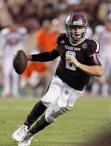 Johnny Manziel playing football
