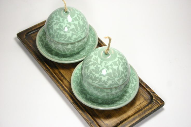 Celadon infuser cup set - Dahngcho Traditional Dahangcho (arabesque) pattern with unique string lid Yeoju, Korea