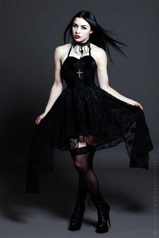 Model: Lady Kat Eyes Photographer: Digitalbeautystudio Dress & Neclace: The Gothic Shop Welcome to Gothic and Amazing | www.gothicandamazing.com