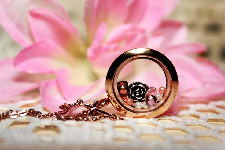 Totally in love with #rosegold especially with #swarovski crystal